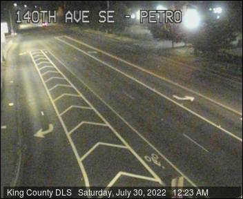 Traffic camera: 140th Ave. S.E. at S.E. Petrovitsky Road - Southeast corner