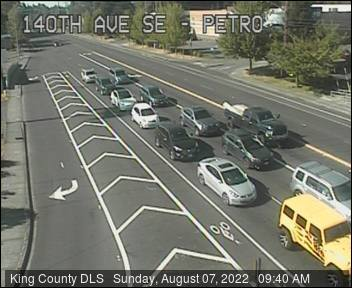 Traffic camera: 140th Ave SE at SE Petrovitsky Road - Southeast corner