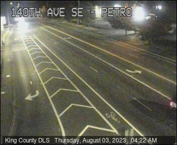 Traffic camera: 140th Ave SE at SE Petrovitsky Road - Southeast corner