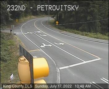 Traffic camera: SE Petrovitsky Rd at SE 232nd St. (northwest corner)